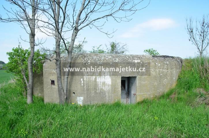 """77210916 (VS): Opava - bunkr (""""řopík"""") SLO VEČ R11"""