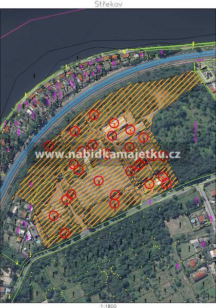 Zahradnictví Střekov (45 871 m2).